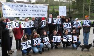 (pancartes de la manifestation du 16 janvier 2016)